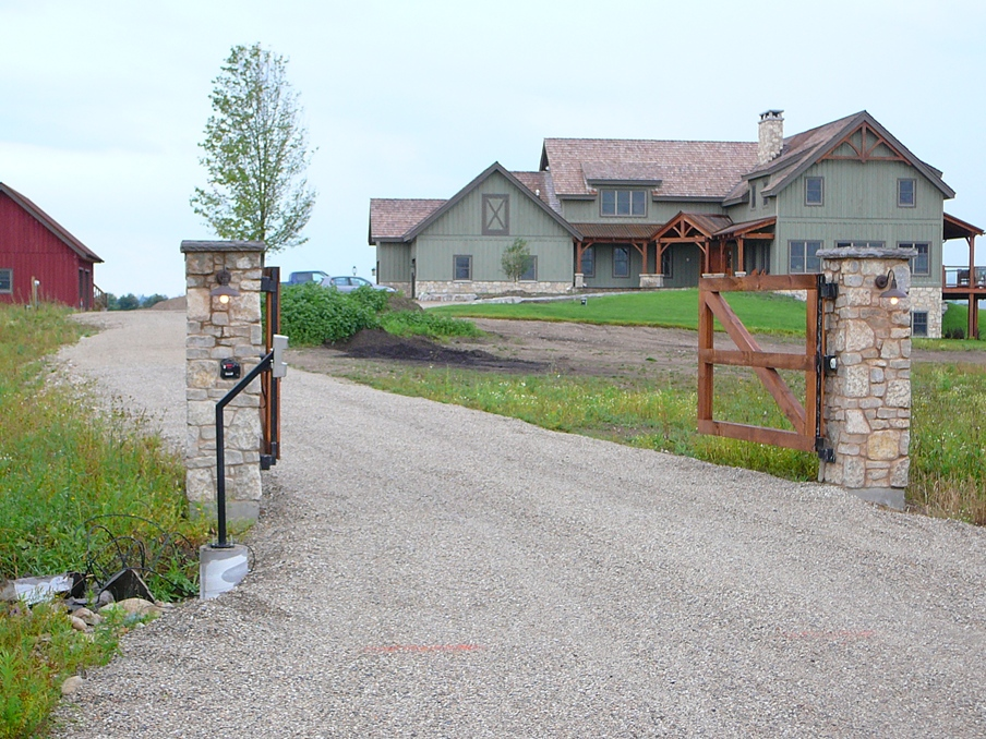 Harvest Gold Limestone Tumbled Blend Gate Posts and House
