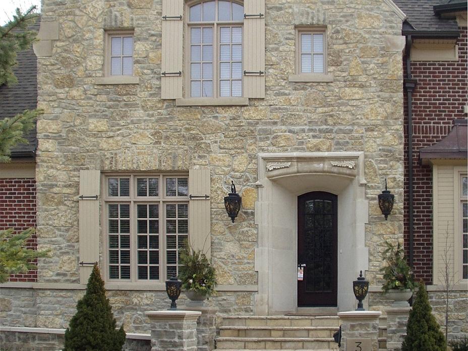 Harvest Gold Limestone Tumbled Olde Mill BLend House Front (50% Tumbled Squared, 30% Tumbled Random, 20% Tumbled Ledgerock)