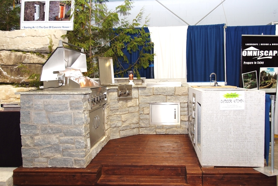 Colonial's Outdoor Living