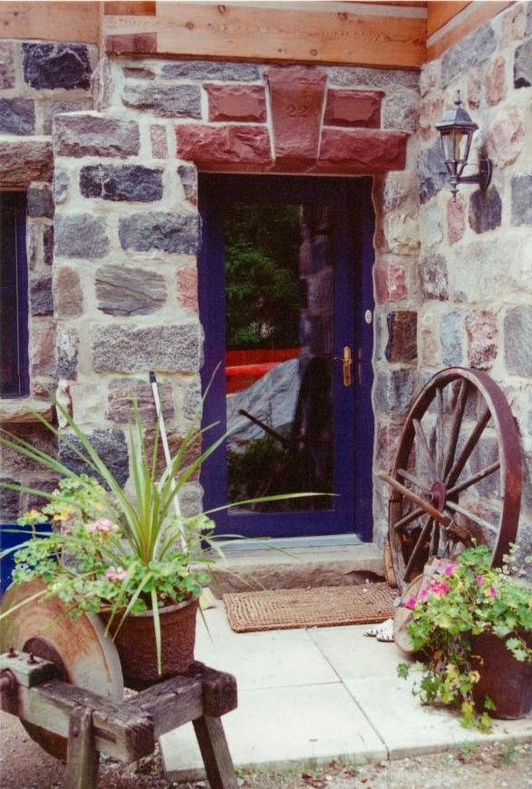 squared feildstone log chinking house
