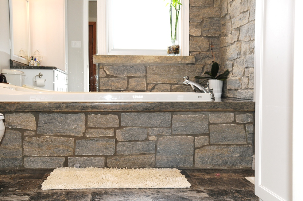 Weatheredge Limestone Ledgerock – Colonial Brick & Stone Inc.